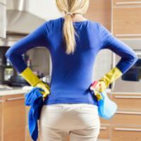۱۰ توصیه تمیزکاری برای کسانی که از کار خانه متنفرند!