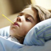 ۱۵ نکته برای پایین آوردن تب کودک