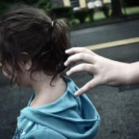 ۷ راه برای تضمین امنیت فرزندانمان