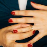 یک ترفند عالی برای خارج کردن انگشتر از انگشت