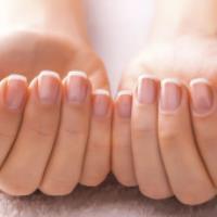 علل و درمان کدر و پوسته شدن ناخن ها