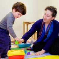 بررسی اختلالات کودکان در ۶ سال نخست زندگی