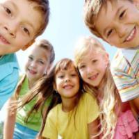 تقليد کودک از همسالان، راه حل چيست؟