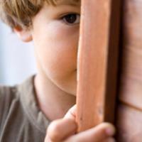 با کودکان خجالتی چگونه برخورد کنیم؟