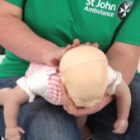 آموزش کمک اولیه برای خفگی نوزاد