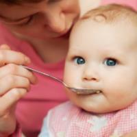 مهمترين مکمل هاي غذايي سال اول نوزاد