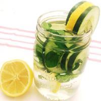 با کمک این نوشیدنی شکم و پهلوهایتان را صاف کنید