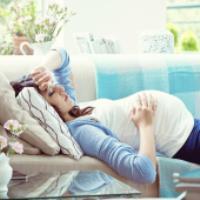 آیا سردرد و خواب آلودگی در دوران بارداری نگران کننده است؟