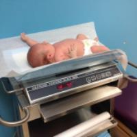 وزن و قد مناسب نوزاد در ماه های مختلف