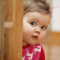 با این روش ها به کودک خجالتی خود کمک کنید