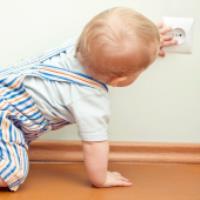 ایمنی محیط خونه برای کودک نوپا