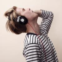 هدفون چگونه به شنوایی آسیب می زند؟