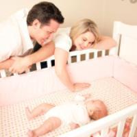 نحوه صحیح قرار دادن نوزاد موقع خواب