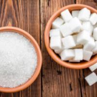 در استفاده از نمک و شکر مراقب باشید