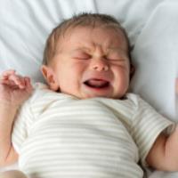علائم ريفلاکس در نوزادان