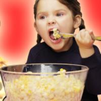 غافلگیری بچهها با یک عالم از غذای محبوبشون