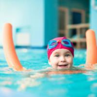 آموزش شنا برای بچه های زیر 4 سال