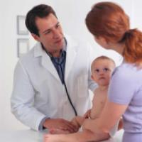 در چه مواقعی برای کودکتان باید به پزشک مراجعه کنید