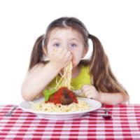 آموزش آداب غذا خوردن به کودکان