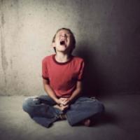 ريشه هاي گرايش به مواد مخدر در کودکي شکل مي گيرد - قسمت اول(دکتر ثمودي)