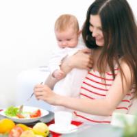 بهترین برنامه غذایی برای مادران شیرده