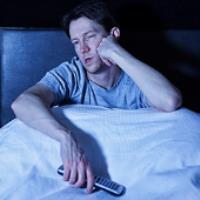 چگونه با بی خوابی شبانه مبارزه کنیم؟
