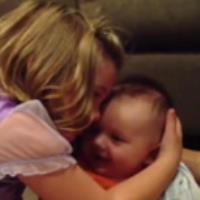 عشق واقعی خواهر و برادر :)