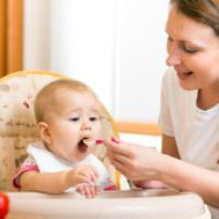 غذای کمکی کودک از کی شروع می شود؟