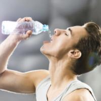 چرا باید آب زیادی بنوشیم؟