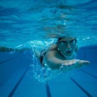 ارتباط عفونت گوش و شنا در آب