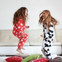 چطور کودکمان را در خانه با وسایل ساده سرگرم کنیم؟