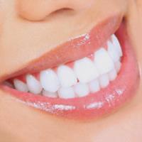 با این روش خانگی، دندان هایتان را مثل برف سفید کنید!